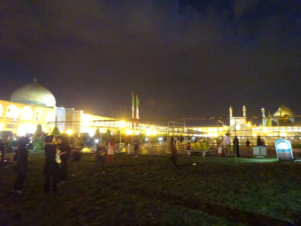 イマーム広場夜