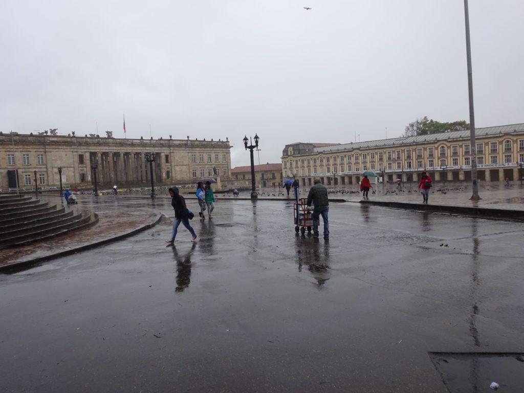 ボリバル広場