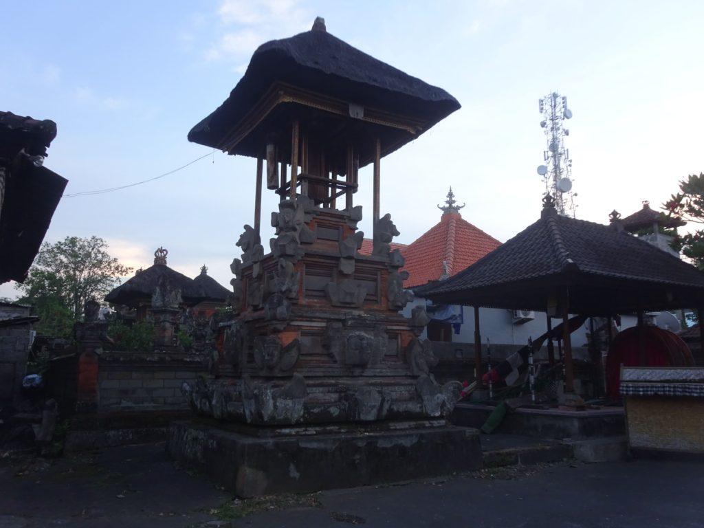 サムアン ティガ寺院