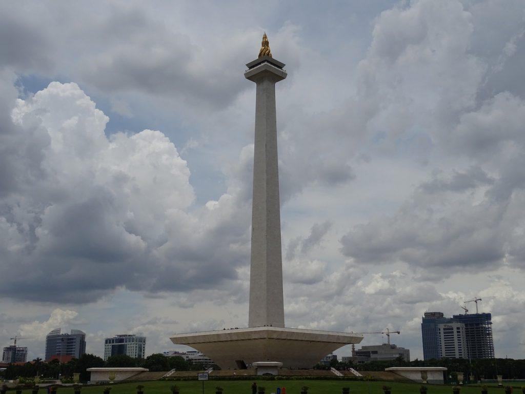モナス塔(独立記念塔)